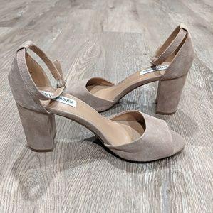 Steve Madden Mirna heels taupe 8.5 LIKE NEW